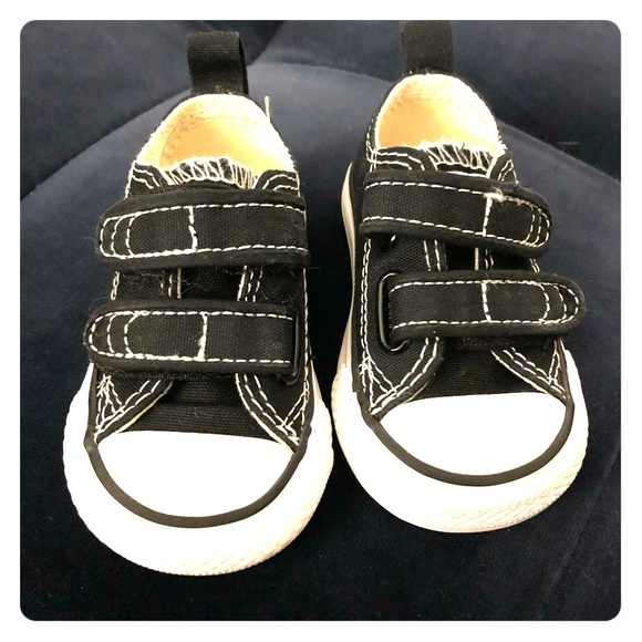 d26547e8f06e09 Converse Other - Baby Converse All Stars (size 2) Infant